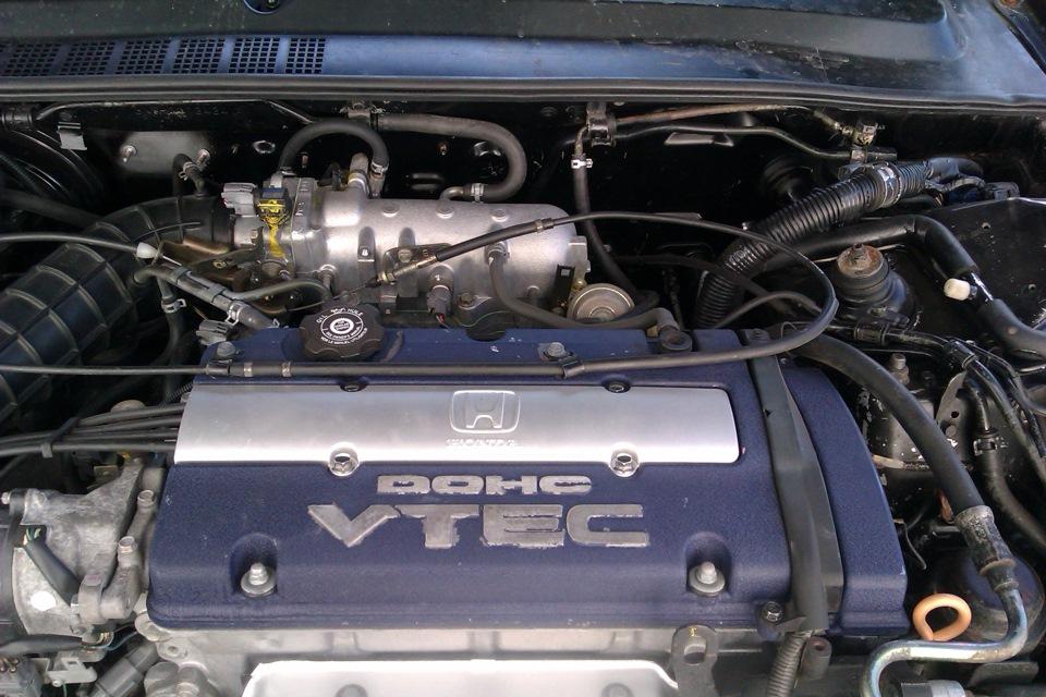 Engine Honda H23A under the hood