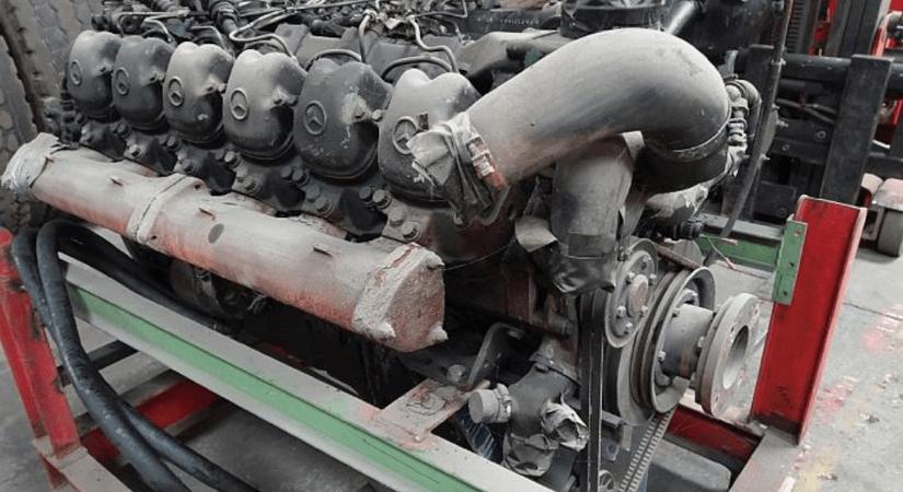 Engine Mercedes OM424
